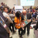 MC Desmata: Governador do Pará recebe disco de platina de ativistas da ONG Engajamundo